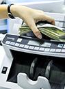 Удачные спекуляции: сколько население заработало  на покупке наличной валюты в 2014 году
